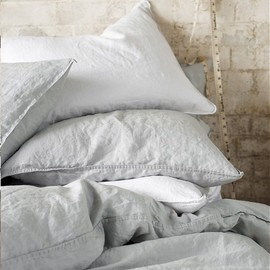Simple bed linens