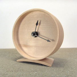 offcutstudio - Maple Wooden Clock