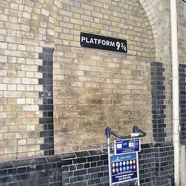 London - King'sCross PLATFORM 9 3/4(9と3/4番線)