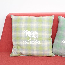 COW BOOKS - Reading Cushion #green×light green