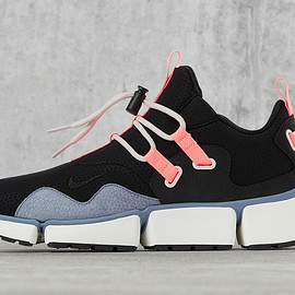 NIKE - Pocketknife DM - Black/Pink/Light Violet