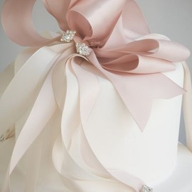 ribbon decorated cake
