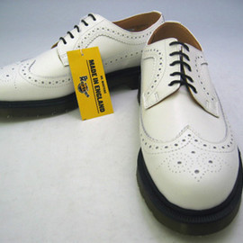 Dr.Martens - White Wing Tip