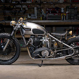 Analog Motorcycles - '68 Triumph Bobber