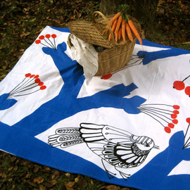 picnic blanket / vintage Marimekko winter tree chickadee bird / wedding gift idea (READY TO SHIP)