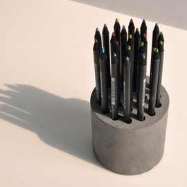 MOCO Vote - concrete pencil vase