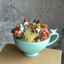 gingerlittle - Tiny Fairy Houses and Village, Waldorf Fairy Garden in a Cup