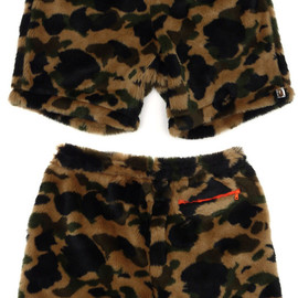 A BATHING APE - 1ST CAMO FUR EASY SHORTS