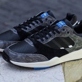 adidas originals - Tech Super - Black/Black (Snake Pack)