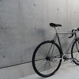 Kinfolk Bicycle Co. - Custom Track Bicycles