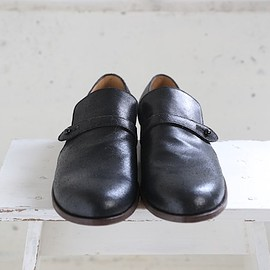 forme - buttons-strap shoes black