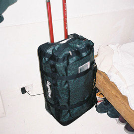 Supreme - bag_shot_crop_large_1321815410.jpg
