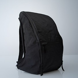 Outlier - Ultrahigh Quadzip - Black