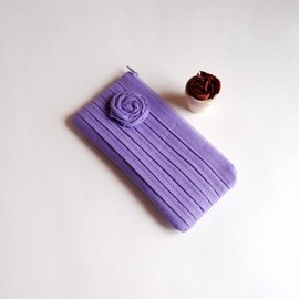 Luulla - Romantic Rose pleats in purple lilac zippered pouch, purse, clutch by Lolos