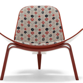 Carl Hansen - Hans Wegner Shell Chair with Eames Circles fabric