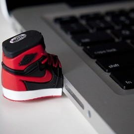 AIR JORDAN 1 HIGH MINI USB - AIR JORDAN 1 HIGH MINI USB