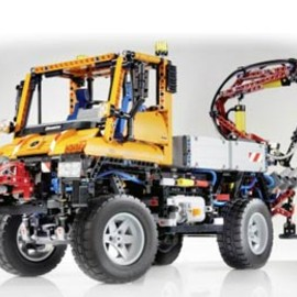 LEGO - Mercedes-Benz Unimog 60th Anniversary Vehicle