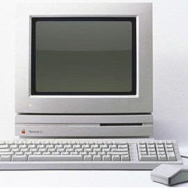 Apple - Macintosh LC