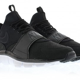 NIKE - Free Ace Leather - Black/White