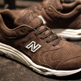 New Balance - CM1700 Brown Suede