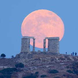Supermoon - Picture of the supermoon over Poseidon's temple in Greece
