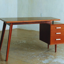 PACIFIC FURNITURE SERVICE - PC DESK