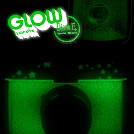 Lomography - Lomo Diana+ Glow in the Dark