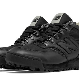 New Balance - Rainier Remastered, Black with Grey