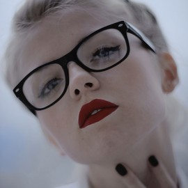 love her lips and glasses