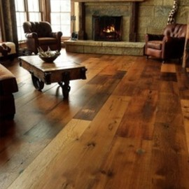 Love the wood floor! Cabin ~ Living