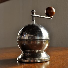 TRE SPADE - Coffee Mill TIPO900 Apple