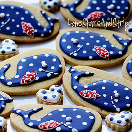LoneStarsandStripes - whale cookies