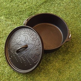 POLeR - CAST IRON DUTCH OVEN WITH LID