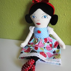 Luulla - Snow White Doll