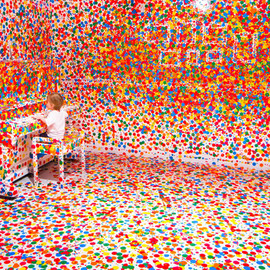 Yayoi Kusama - The obliteration room