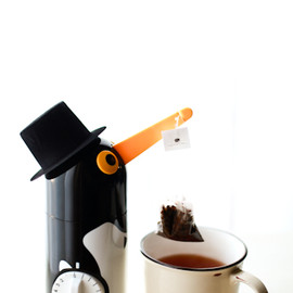 penguin tea maker