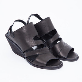 LD Tuttle - The Forward Sandal