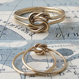 Erica Weiner - Lover's Knot Ring