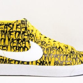 NIKE SB - NECK FACE × NIKE BLAZER SB MID PREMIUM TOUR YELLOW/WHITE-BLACK