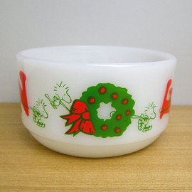 Fire King - Snoopy Noel bowl
