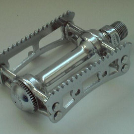 "Campagnolo - Pista pedals with ""Con Denti"" teeth atop steel cage"