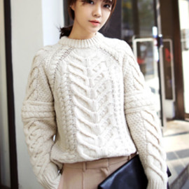Dholic - Wide Cable Point Knit