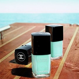 CHANEL - Chanel in Tiffany blue