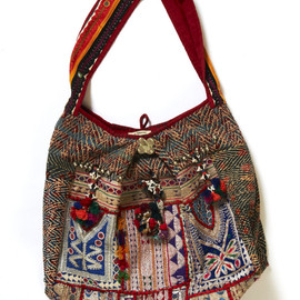 ne Quittezpas - Embroidered Bag