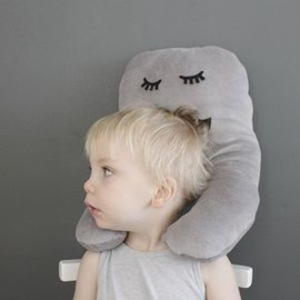 "Butic Blanc - Image of Kids (traveling) pillow  ""Gubbe"""