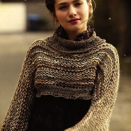 Bonniescinamateque - Women's hand knit striped cropped sweater