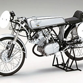 EBBRO - 【10008】1/10 HONDA CR110 CUB RACING 1962 (BLACK/SILVER)