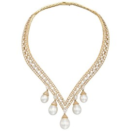 "Van Cleef & Arpels - Van Cleef & Arpels ""Lamballe"" Diamond & Pearl Drop Necklace"