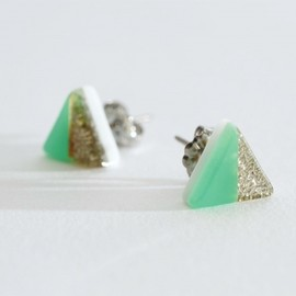NEWSED - Re:Acryl pierce (triangle)-big- 2