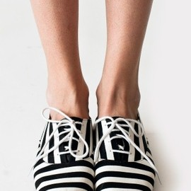 American Apparel - stripes shoes